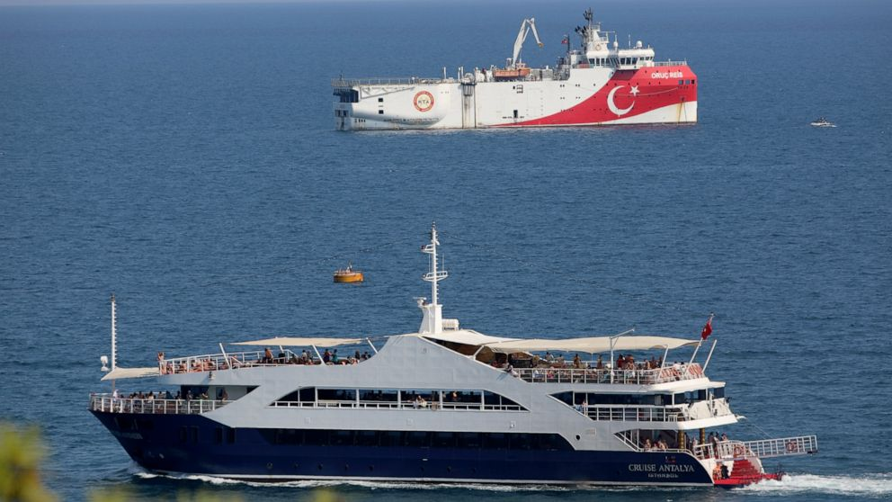 Greece says talks with Turkey on East Med...
