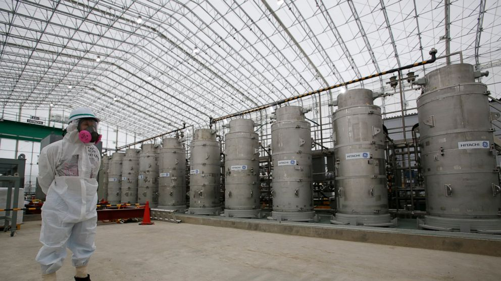 Japan gov't proposes Fukushima water release to sea or air thumbnail