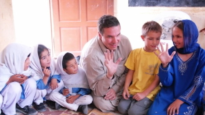 VIDEO: Greg Mortensons commitment to educate the children of Pakistan and Afghanistan.