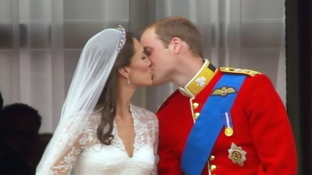 Royal Wedding Kiss.Royal Wedding Prince William And Kate Middleton S Balcony