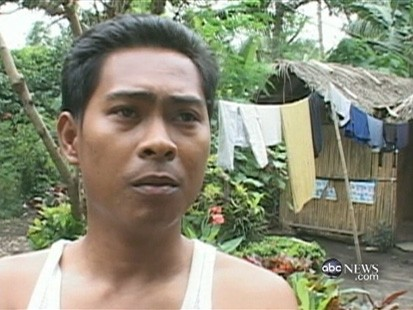 VIDEO: Philippines residents near the Mayon volcano return home to harvest crops.