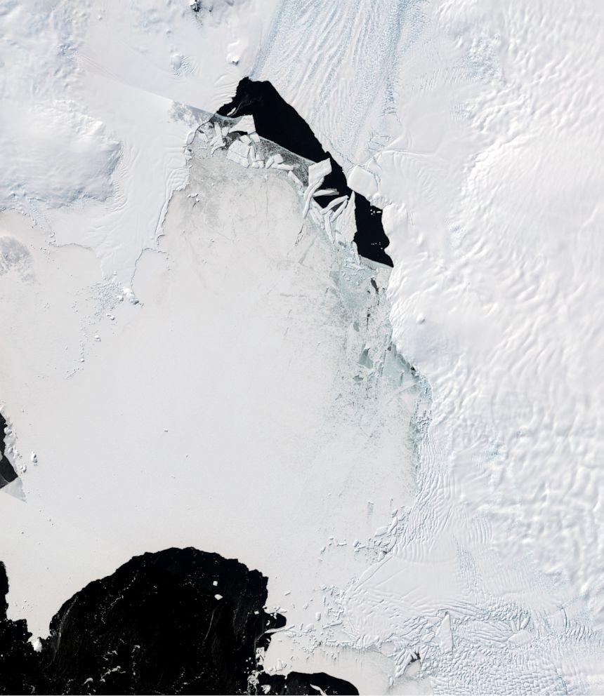 PHOTO: Amundsen Embayment viewed from the Copernicus Sentinel-2 satellite.