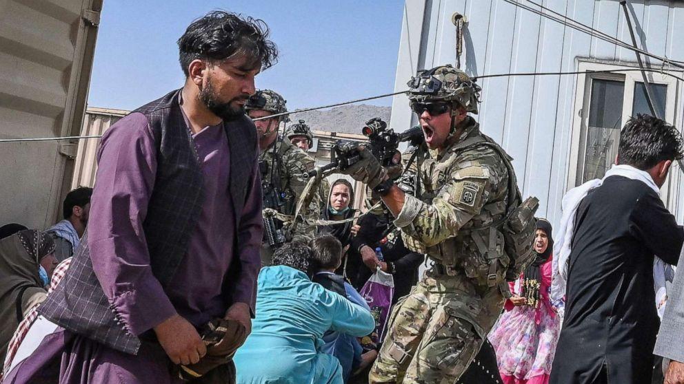 Chaos At Kabul Airport Amid Struggle To Flee Abc News