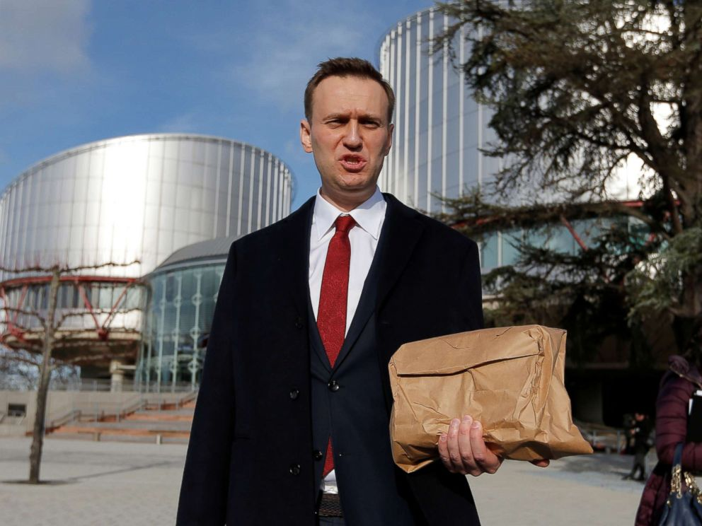 PHOTO: Russian opposition leader Alexei Navalny leaves the European court of Human Rights after a hearing regarding his case against Russia at the court in Strasbourg, France, Jan. 24, 2018.
