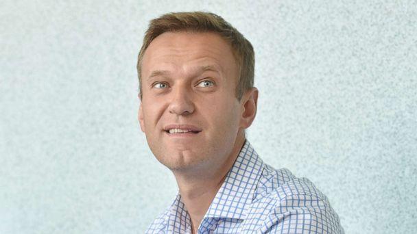 Vladimir Putin critic Alexey Navalny hospitalized with suspected poisoning, doctor says