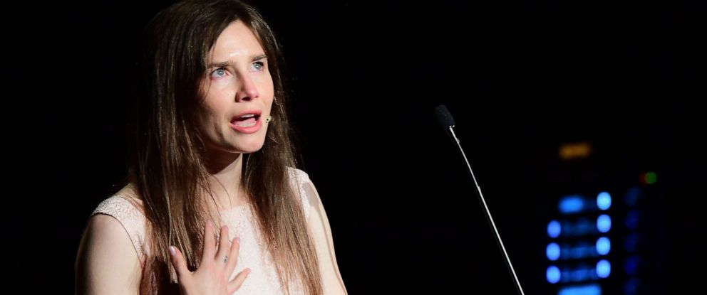 """PHOTO: Amanda Knox addresses a panel discussion titled """"Trial by Media"""" during the Criminal Justice Festival at the Law University of Modena, northern Italy on June 15, 2019."""