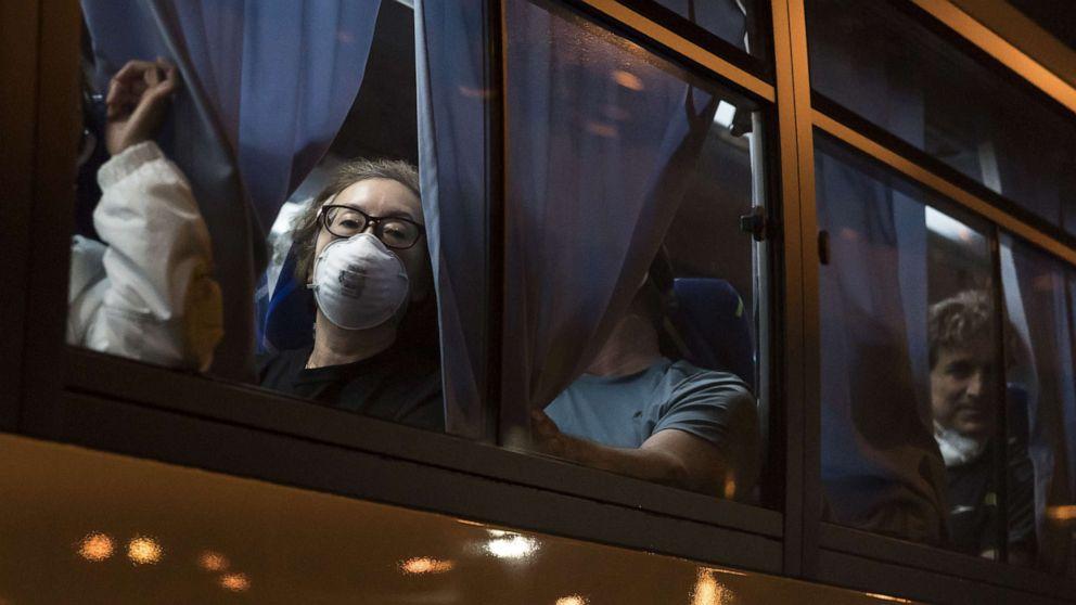 14 Amerikaner evakuiert Kreuzfahrtschiff in Japan-test positiv für coronavirus
