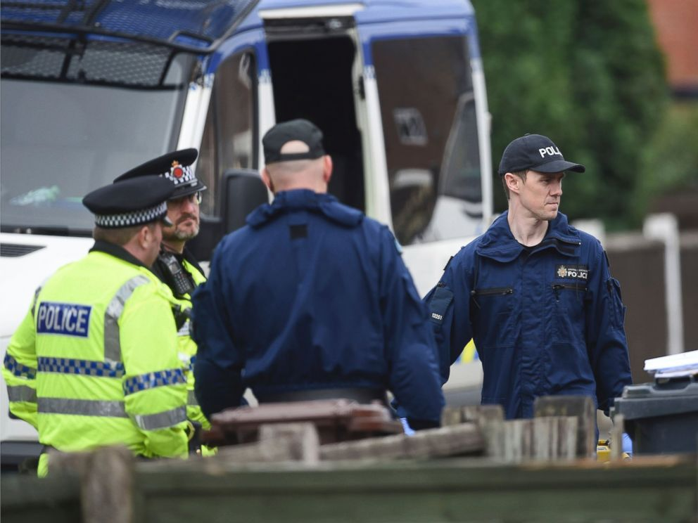PHOTO: Police activity continues in connection to the Monday night explosion when a suicide bomber killed more than 20 people leaving an Ariana Grande concert at Manchester Arena, May 24, 2017.