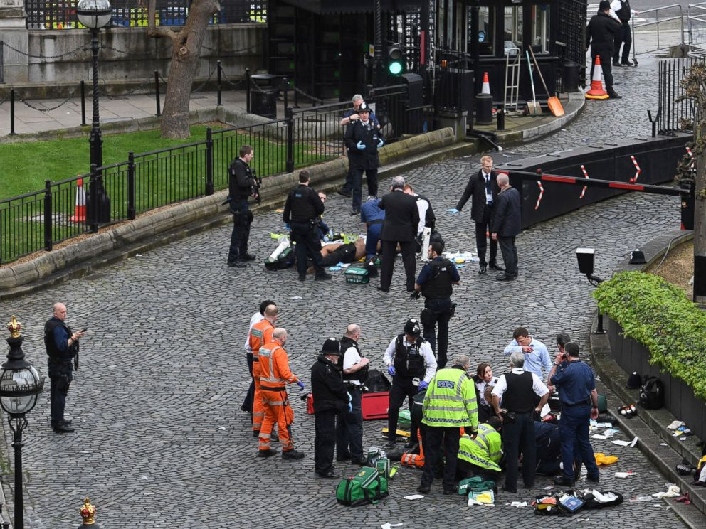 PHOTO: Emergency services attend to injured people after an incident outside the Palace of Westminster in London, March 22, 2017.