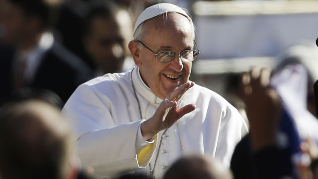 PHOTO:Pope Francis waves to crowds as he arrives to his inauguration Mass in St. Peters Square at the Vatican, Tuesday, March 19, 2013.
