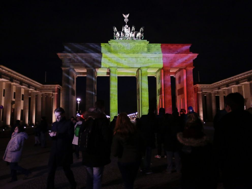 PHOTO: The Brandenburg Gate is illuminated with the Belgium national flag in reaction to the Brussels attacks, in Berlin, Germany, March 22, 2016.