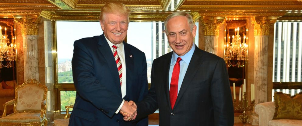 PHOTO: In this handout photo made on Sunday, Sept. 25, 2016, provided by the Israeli Government Press Office, Republican Presidential candidate Donald Trump shakes hand with Israeli Prime Minister Benjamin Netanyahu in New York.