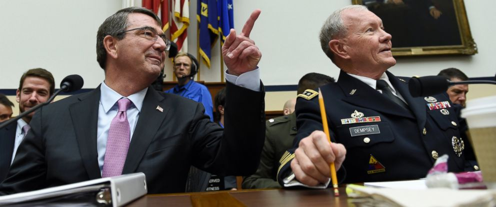 PHOTO: Defense Secretary Ash Carter, left, and Joint Chiefs Chairman Gen. Martin Dempsey, prepare to testify on Capitol Hill in Washington, June 17, 2015.