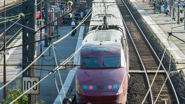 https://s.abcnews.com/images/International/ap_french_train_lb_150821_16x9_608.jpg