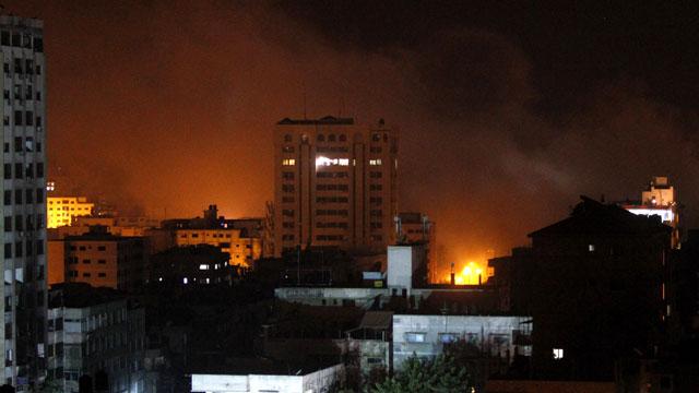 PHOTO:Smoke rises after an Israeli strike in Gaza City, Tuesday, Nov. 20, 2012.