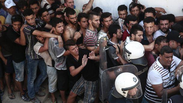 https://s.abcnews.com/images/International/ap_greek_migrants_lb_150812_16x9_608.jpg