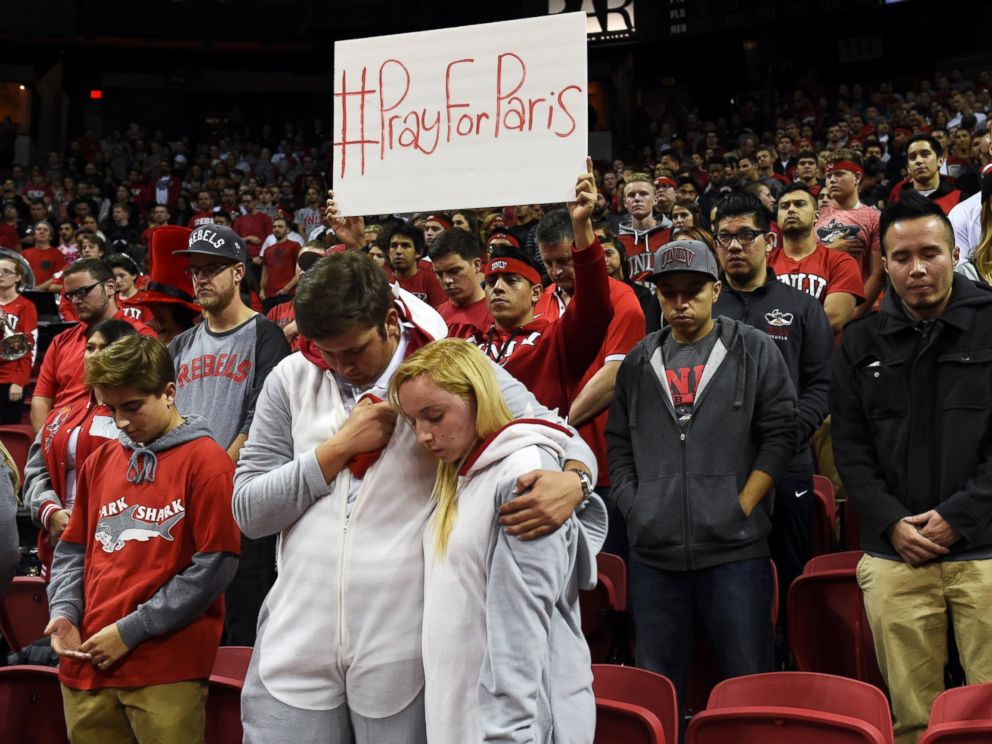 PHOTO: UNLV fans observe a moment of silence for the victims of the terrorist attacks in Paris on Nov. 13, 2015, before UNLVs basketball game against Cal Poly at the Thomas & Mack Center in Las Vegas.
