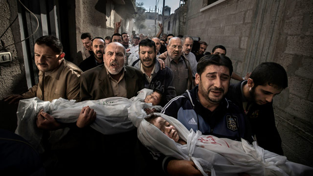 PHOTO: The 2013 World Press Photo of the year by Paul Hansen, Sweden, for Dagens Nyheter