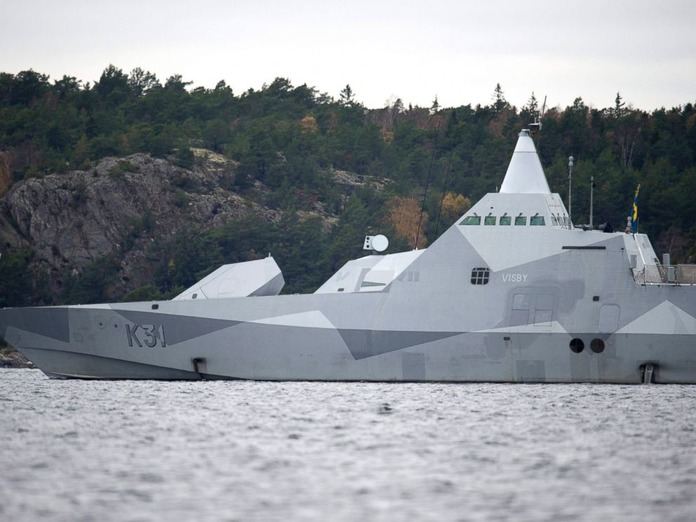PHOTO: The Swedish corvette HMS Visby navigates on Mysingen Bay, as the search for a suspected foreign vessel enters its fifth day in the Stockholm archipelago, Tuesday, Oct. 21, 2014.