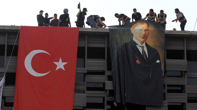 Turkish Police Descend on Protesters