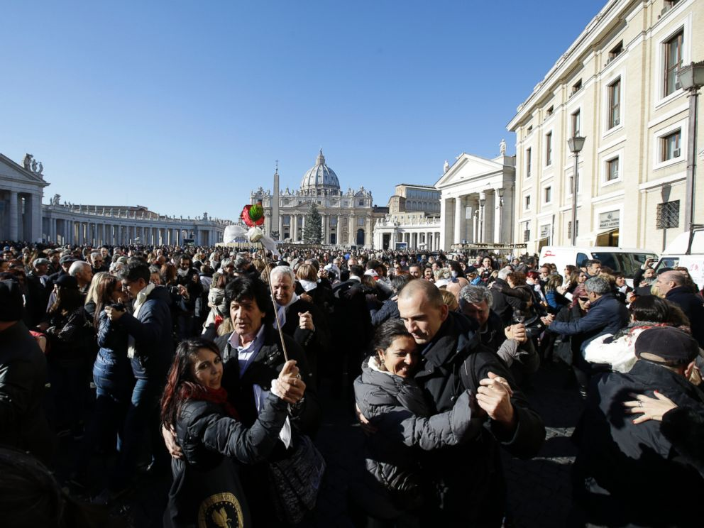 PHOTO: People dance tango in front of St. Peters Square to celebrate Pope Francis 78th birthday, at the Vatican on Dec. 17, 2014.