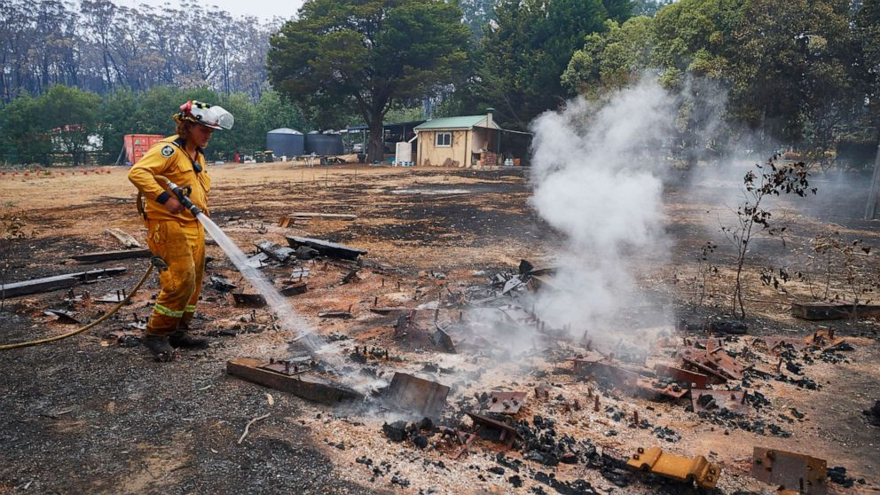 24オーストラリア人は逮捕された故意に設定で火災のこの季節