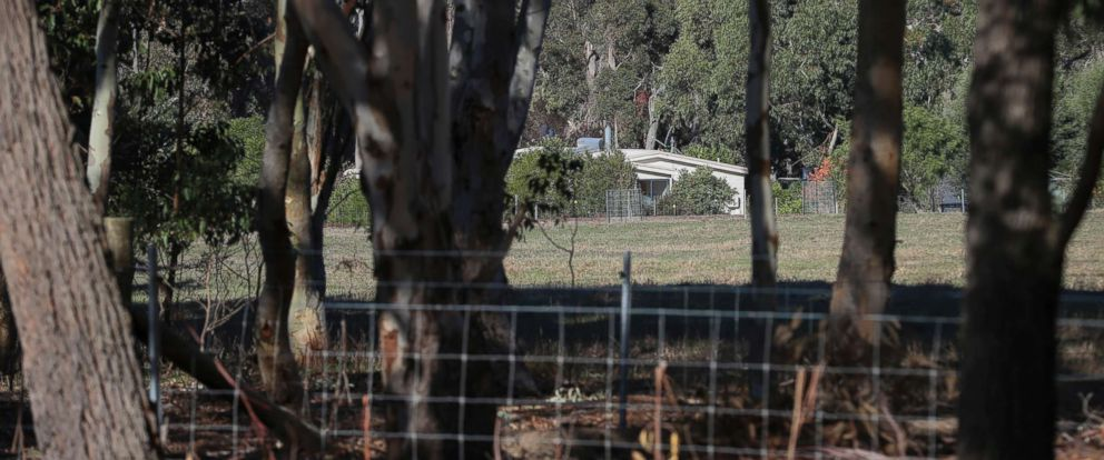 PHOTO: A property is seen from a police roadblock where police are investigating the death of seven people in a suspected murder-suicide in Osmington, east of Margaret River in Australia, May 11, 2018.