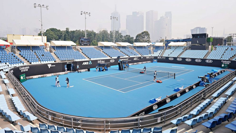 Australian Open Tennis Player Collapses In Coughing Fit Due To Thick Smoke From Wildfires Abc News