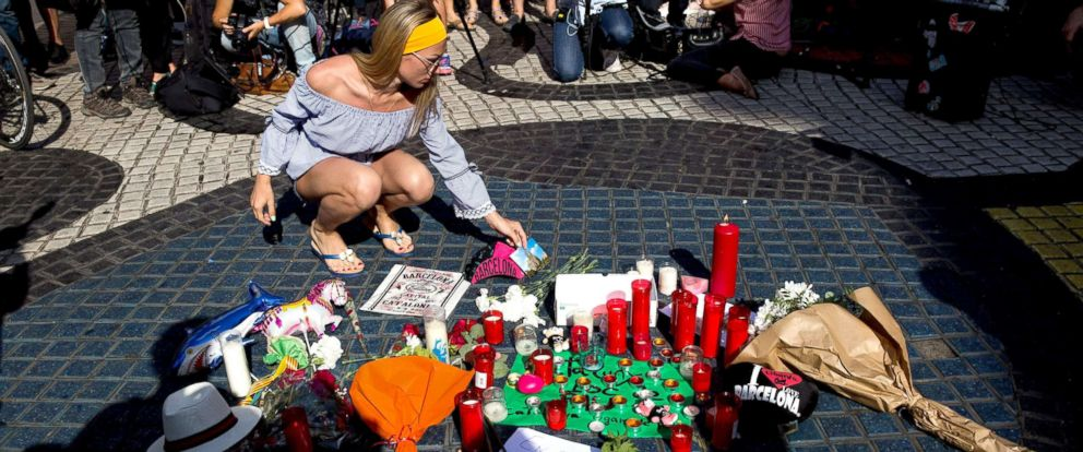 PHOTO: People attend a gathering to mourn for terror attack victims in Barcelona, Spain, Aug. 18, 2017.