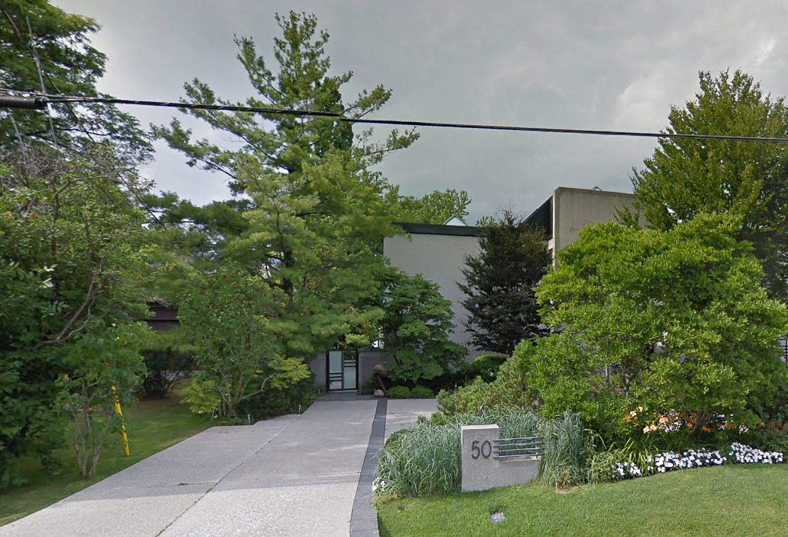 Billionaire Barry Sherman, wife found dead in their Toronto