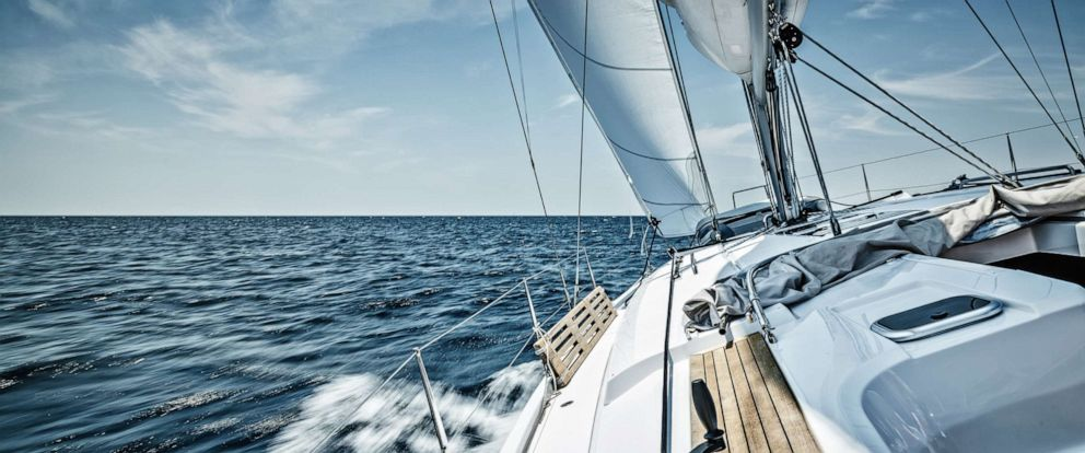 PHOTO: Sailing with sailboat.