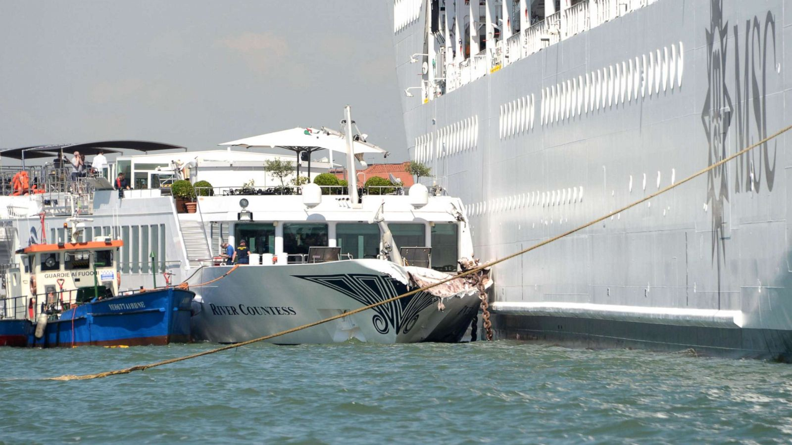 Out-of-control cruise ship crashes into tourist boat on busy