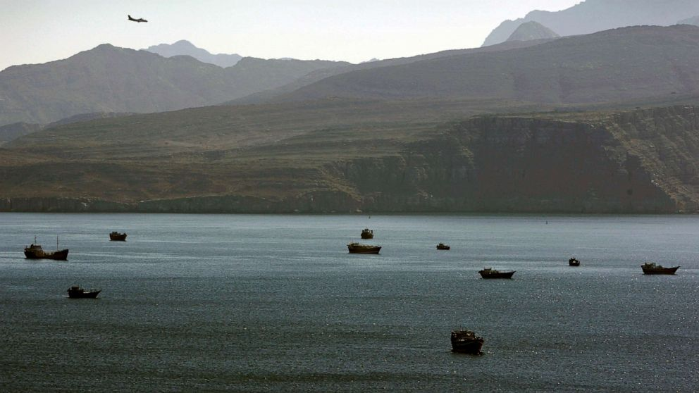 US refutes Iranian claim, says missiles put on small boats were for covert attacks thumbnail