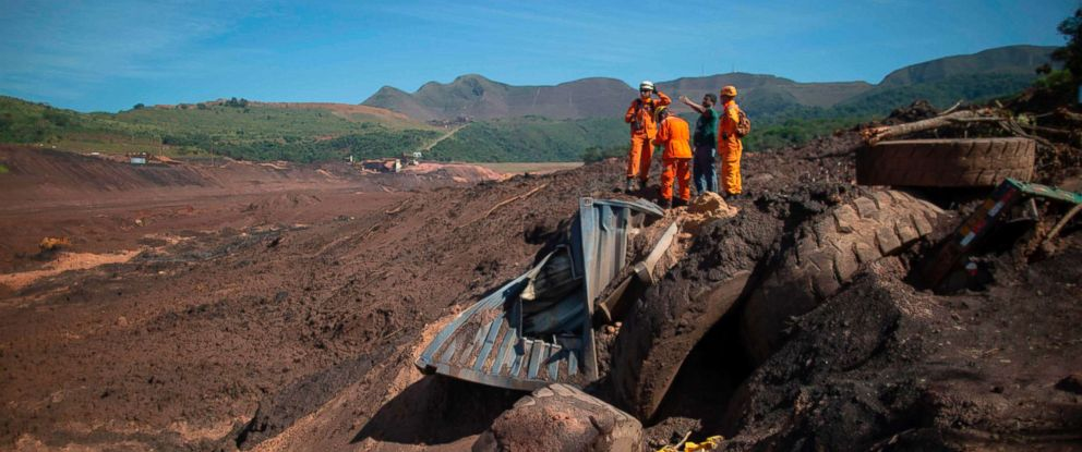 PHOTO: Minas Gerais Firefighters keep on searching for victims at Corrego do Feijao where a dam collapsed at an iron-ore mine belonging to Brazils giant mining company Vale near the town of Brumadinho in southeastern Brazil, Jan. 31, 2019.