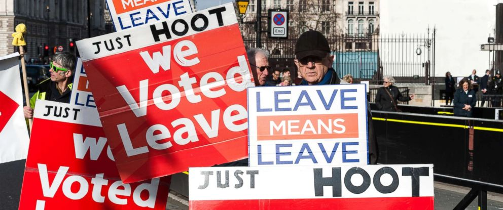 PHOTO: Pro-Brexit supporters protest outside the Houses of Parliament in London as they campaign for a no deal Brexit and swift departure from the EU on the World Trade Organisation (WTO) rules on Feb. 13, 2019.