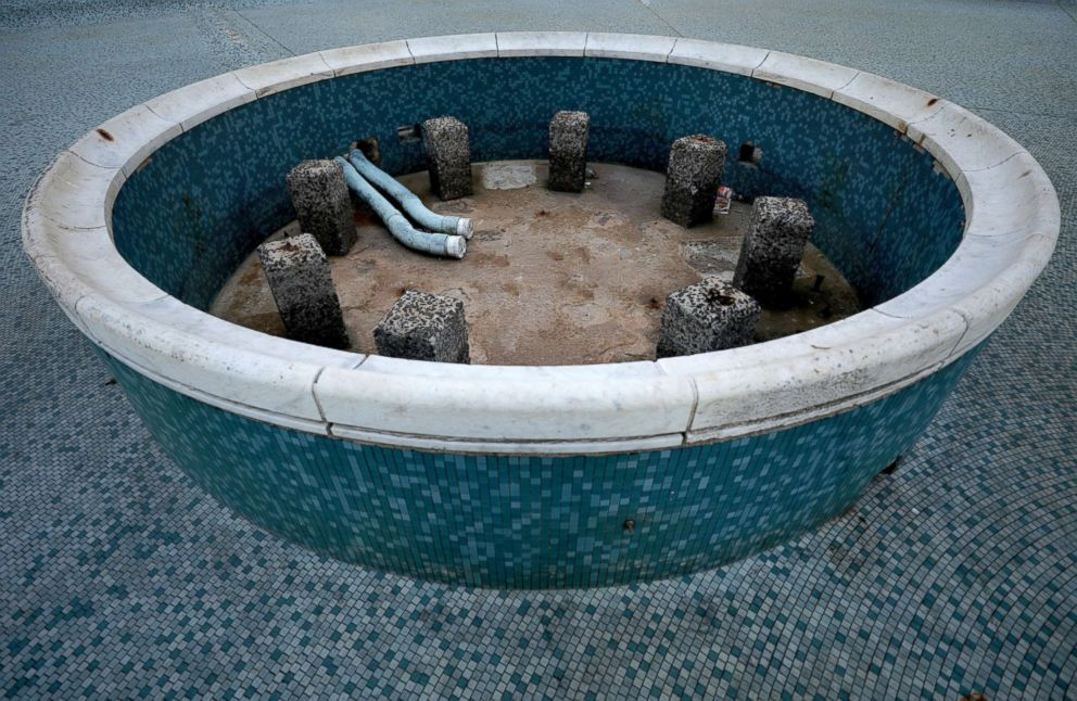 PHOTO: Fountains sit empty in the center of Cape Town, South Africa, Jan. 28, 2018.