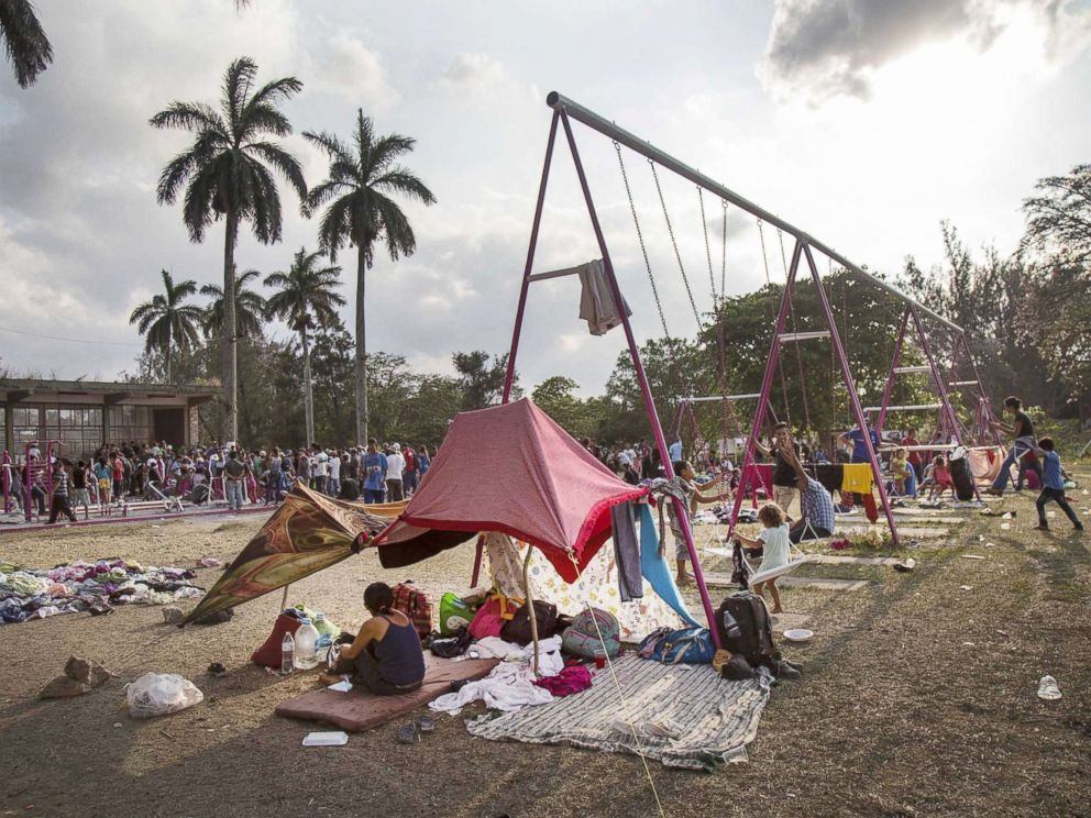 PHOTO: Central American migrants rest in the town of Nicolas Romero, in the state of Oaxaca, Mexico, April 3, 2018.