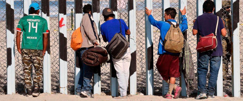 PHOTO: Central American migrants remain by the U.S.-Mexico border fence in Playas de Tijuana, Mexico, Nov. 15, 2018.
