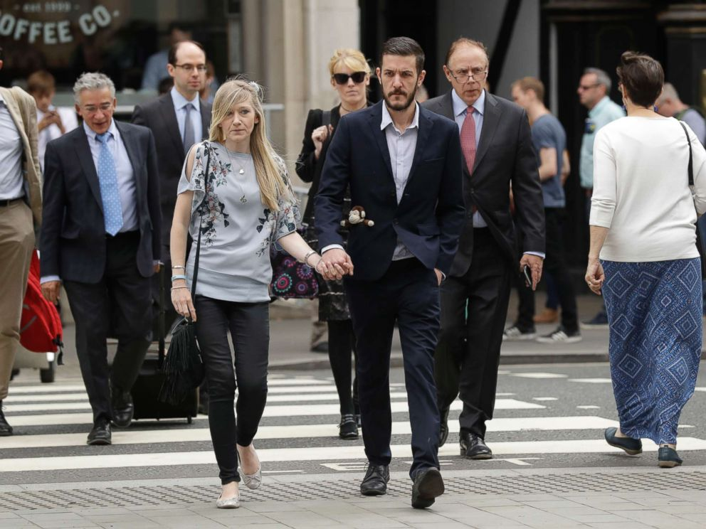 PHOTO: The parents of critically ill baby Charlie Gard, Connie Yates and Chris Gard, arrive at the High Court in London, July 14, 2017.