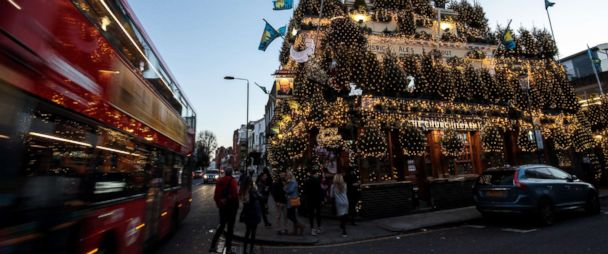 Most Festive Pub In Uk Displays 97 Christmas Trees 21 500