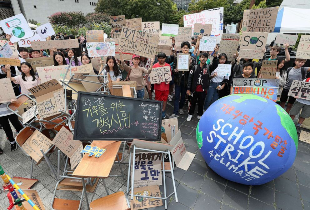 PHOTO: South Korean students attend a rally to demand action on climate change in Seoul, South Korea, September 27, 2019.