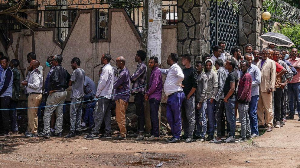 PHOTO: Ethiopians in the city of Bahir Dar line up to cast their vote on June 21, 2021, in Bahir Dar, Ethiopia.