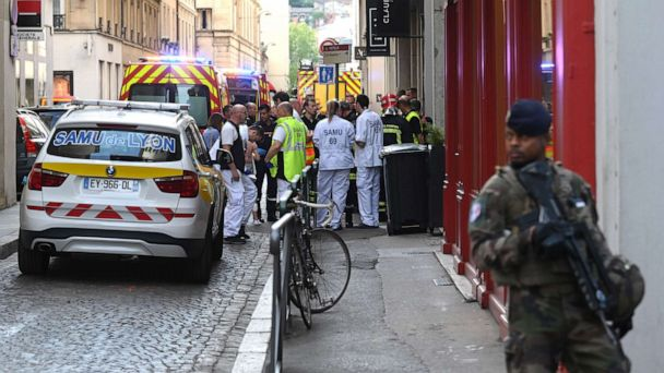 Explosion on a street corner in Lyon, France, leaves 8 with minor injuries