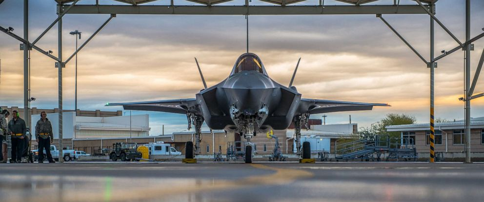 PHOTO: A pilot assigned to the 61st Fighter Squadron and 61st Aircraft Maintenance Unit crew chiefs prepare an F-35A Lightning II for taxi, Jan. 15, 2019, at Luke Air Force Base, Ariz.