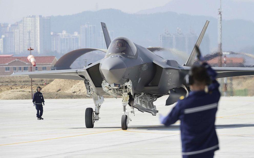 PHOTO: A U.S. F-35A fighter jet lands at Chungju Air Base, March 29, 2019, in Chungju, South Korea.