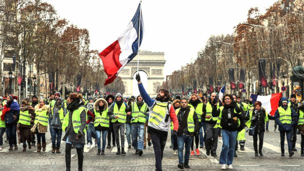 'Yellow vest' protests in France draw fewer demonstrators, less violence in latest round of weekend demonstrations