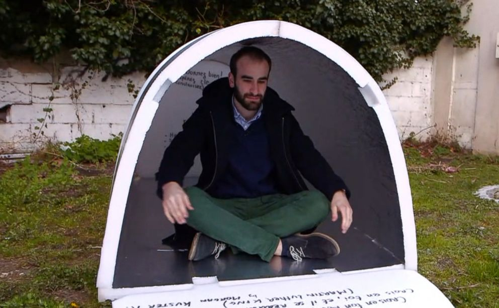PHOTO: Homeless people in Paris are experimenting a new type of waterproof shelters that remain hot in freezing temperatures.