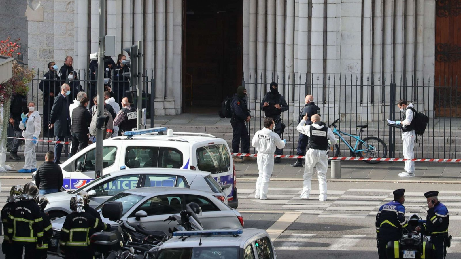 3 people dead following stabbings in France terror attack - ABC News
