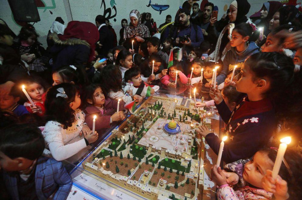 PHOTO: Palestinian children celebrate New Year festivities, in Gaza City, Dec. 30, 2017.
