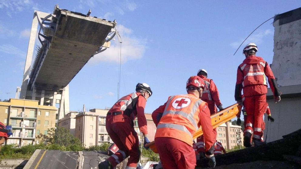 https://s.abcnews.com/images/International/genoa-bridge-collapse-sh-mem-180817_hpMain_16x9_992.jpg